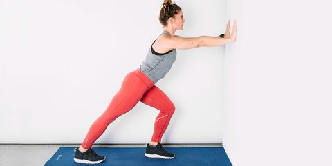 runners-calf-stretch-on-wall